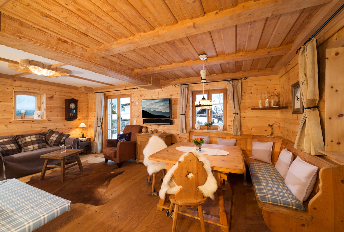 mein chalet ferienhaus alpen chalets in bayern luxus. Black Bedroom Furniture Sets. Home Design Ideas
